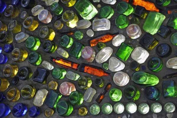 Бутылки в бетоне раствор тяжелый цементный 100