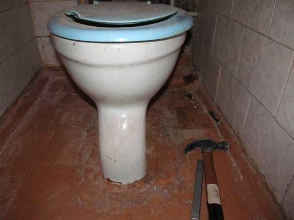 чем очистить унитаз от цементного раствора