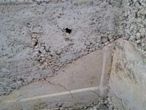 Пузырьки в бетоне сколько добавить воды в цементный раствор